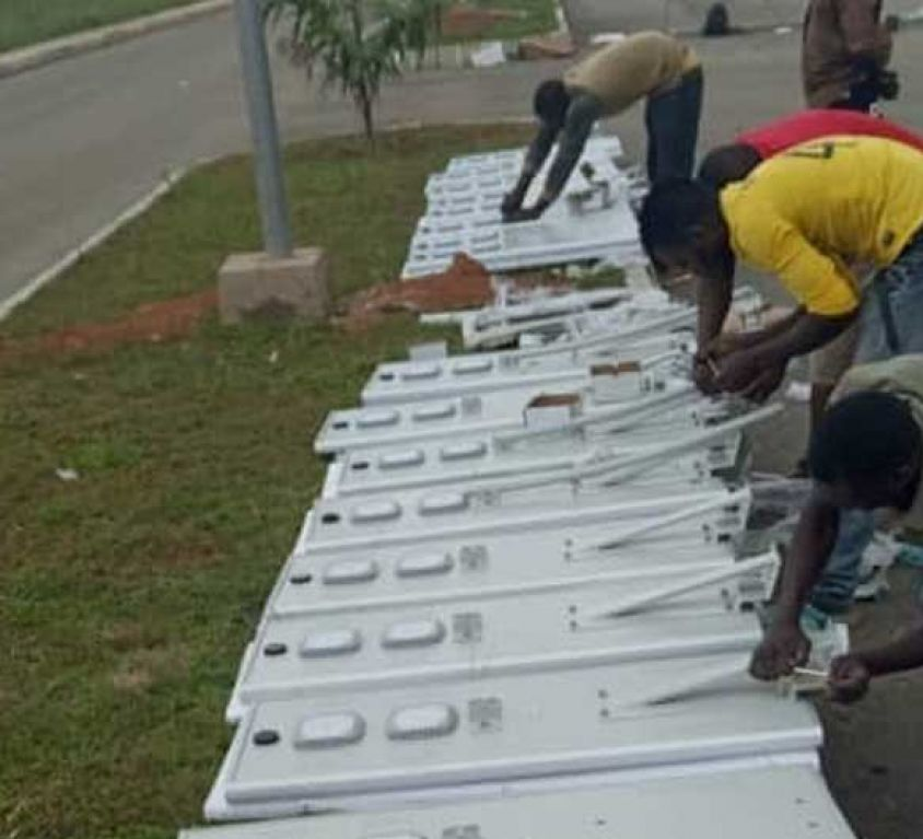 Solar street light project in ghana highway